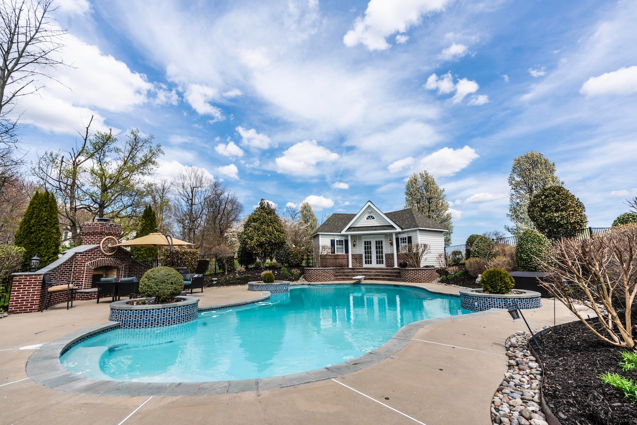 Homes With Pools Are Selling at a Premium