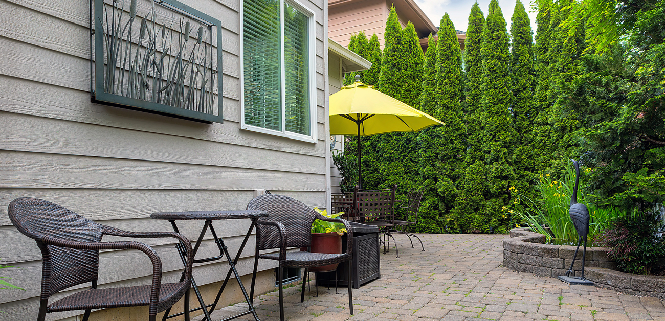 7 Summer Trends for Creating Cozier Backyards