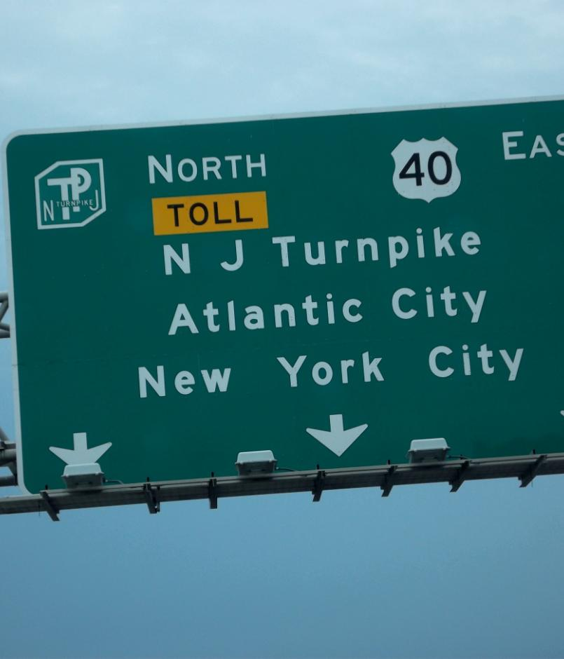 A highway sign directing drivers to New Jersey