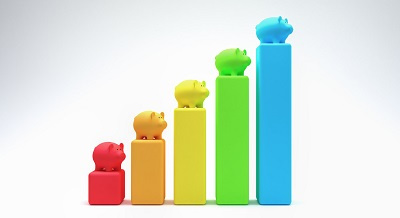 Line graph with piggy banks