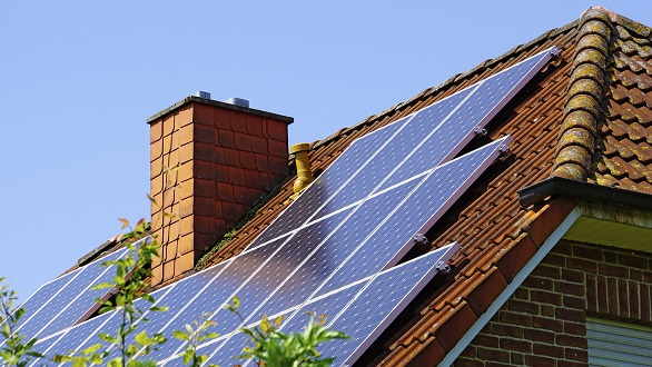 Roof with photovoltaic installation