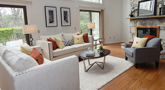 room in Modern style staging