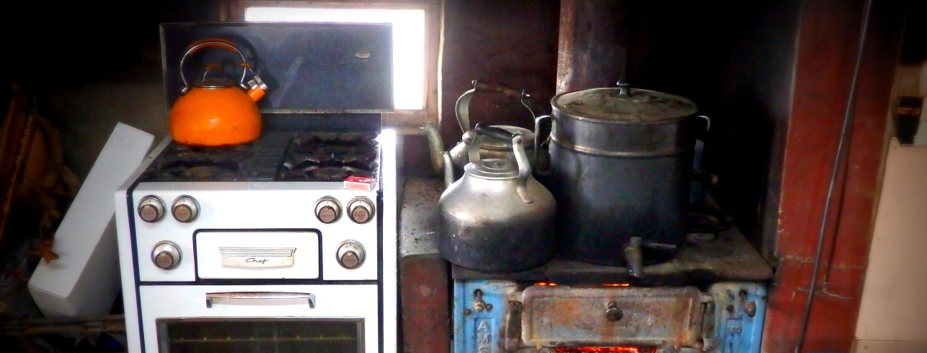 A vintage kitchen with old-fashioned appliances
