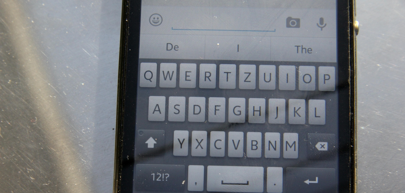 An iPhone screen with its keyboard visible