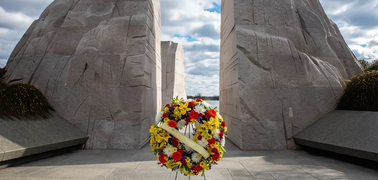 A photo of a wreath that was laid at the Martin Luther King Jr. monument in honor of the civil rights leader in January 2021