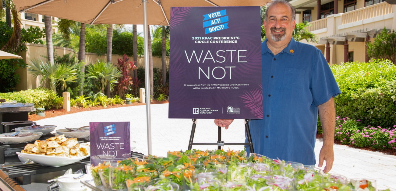 NAR President Bob Goldberg encouraging support for the Food Recovery Network