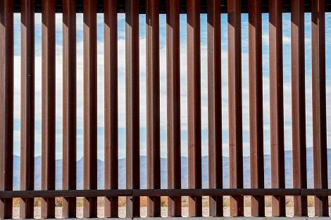 Private border wall hits permit snag