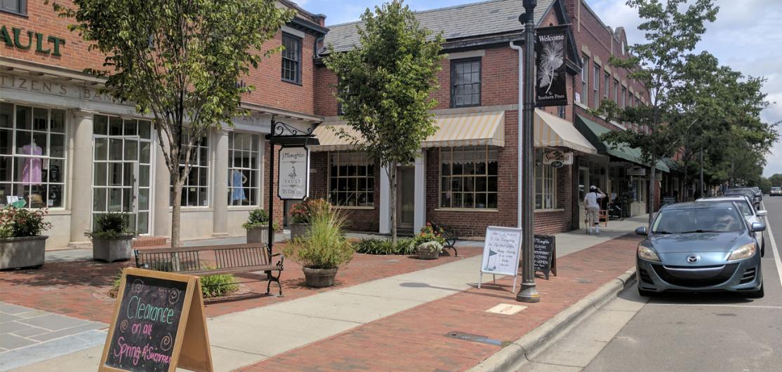 commercial district in Southern Pines, N.C.