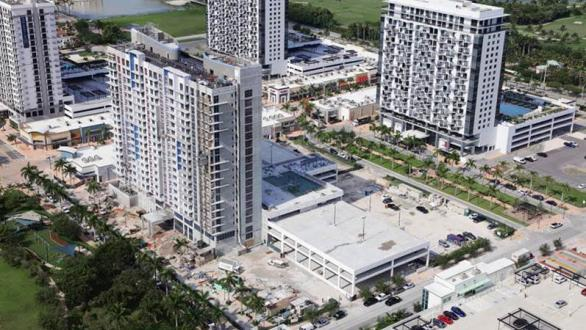 Current construction photo of 5350 Park luxury condominium tower in Downtown Doral