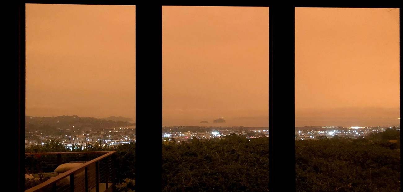 View of California wildfires from Thomas Henthorne's living room